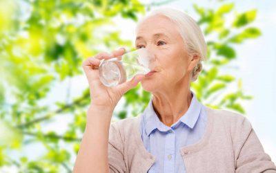 Les personnes fragiles peuvent-elles boire de l'eau adoucie ?