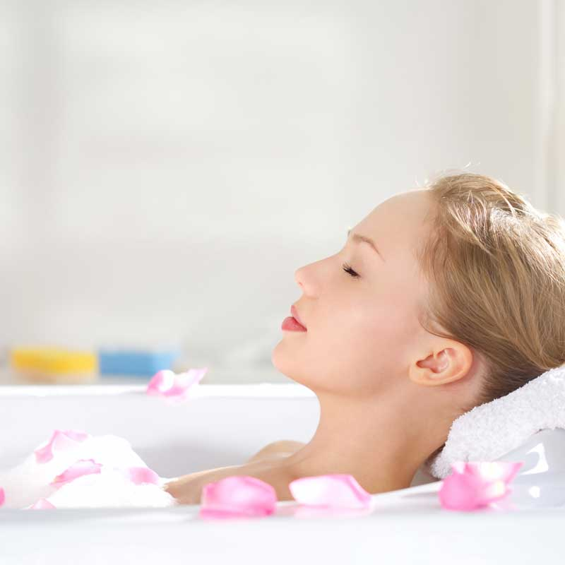 femme qui prend un bain